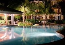 pool-night-1521893
